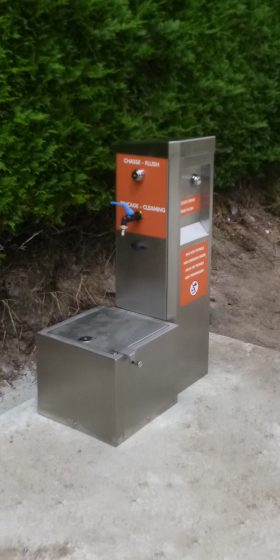 Installation d'une borne de vidange M-Innov pour les camping-car